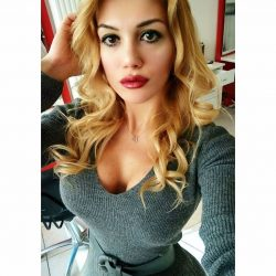 İzmir Konak otele eve gelen escort Aslı